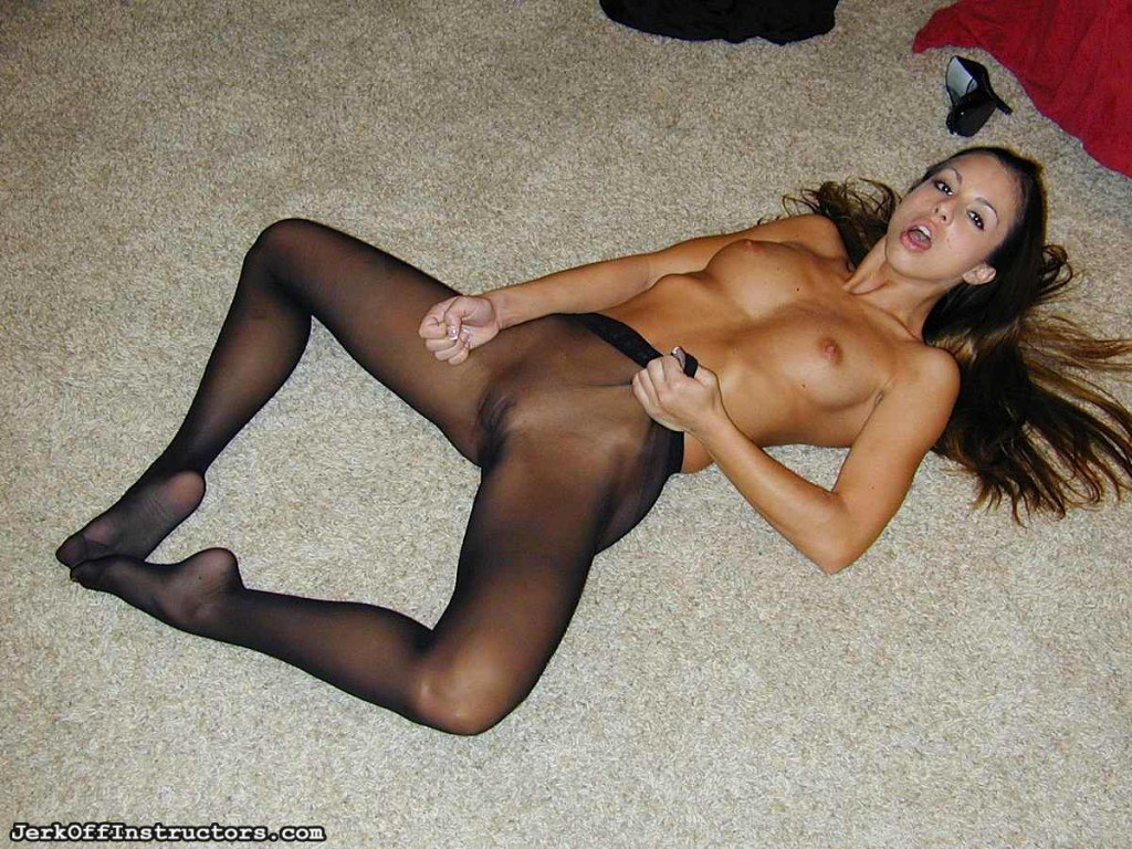 Amateur! Jerk off inside pantyhose face